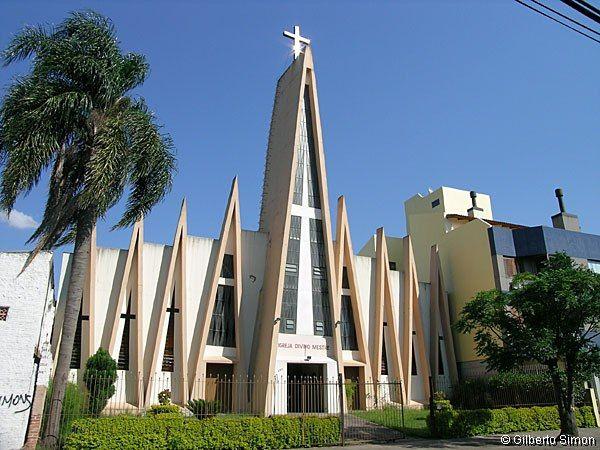 -Igreja Divino Mestre