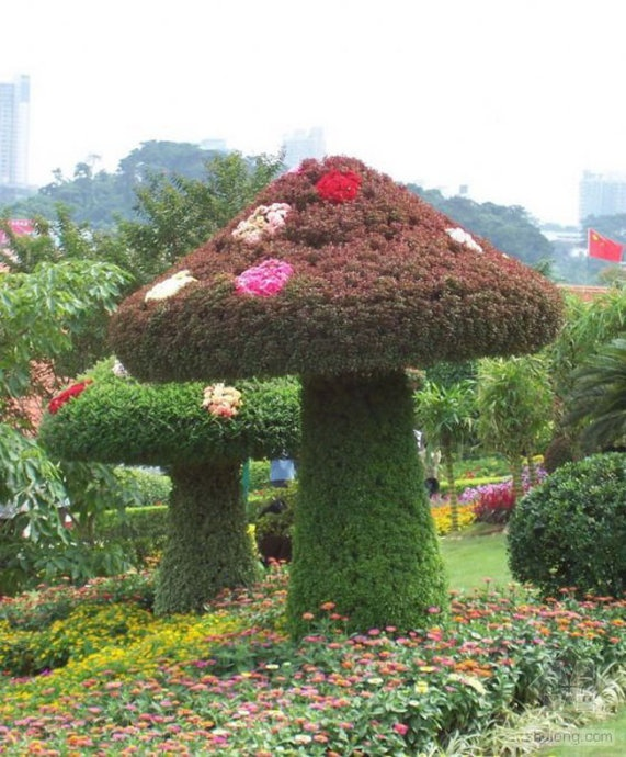 Amazing Topiary: 259 Best Images About Grass Sculptures On Pinterest