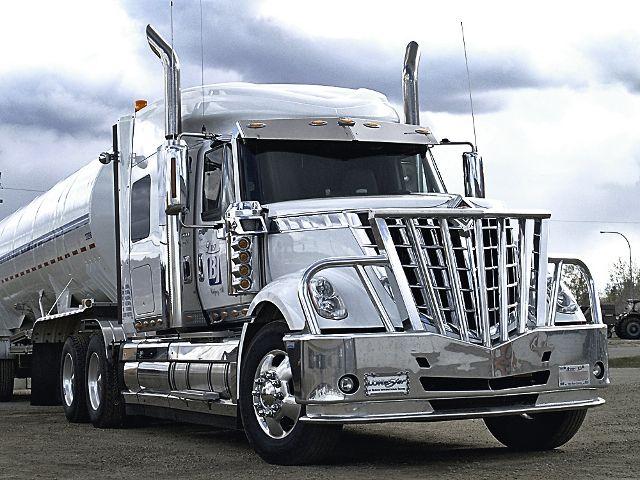 2_International_Lonestar_Tractor_Trailer_3