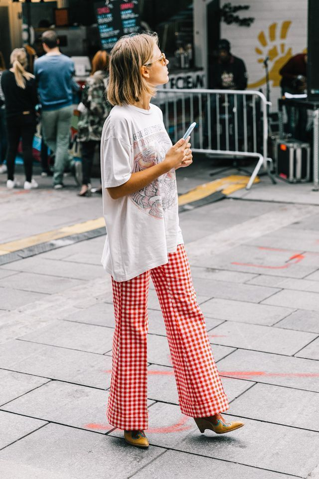 graphic t-shirts street style
