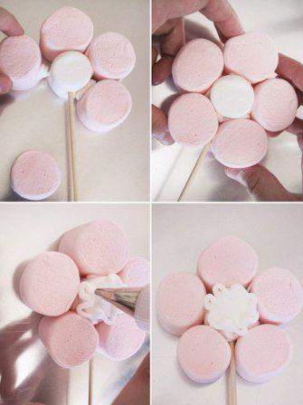 Doğum Günü İçin Farklı Fikir : Marshmallow Şekerlerinden Çiçek Yapımı