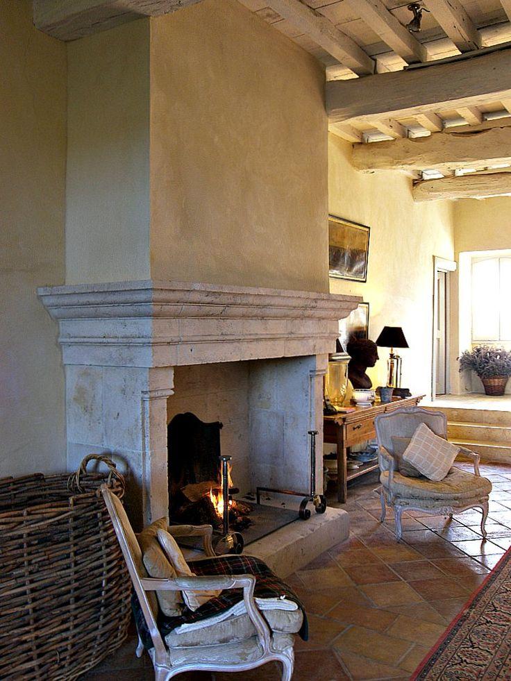 Fabricant de cheminée en pierre dans le Gers