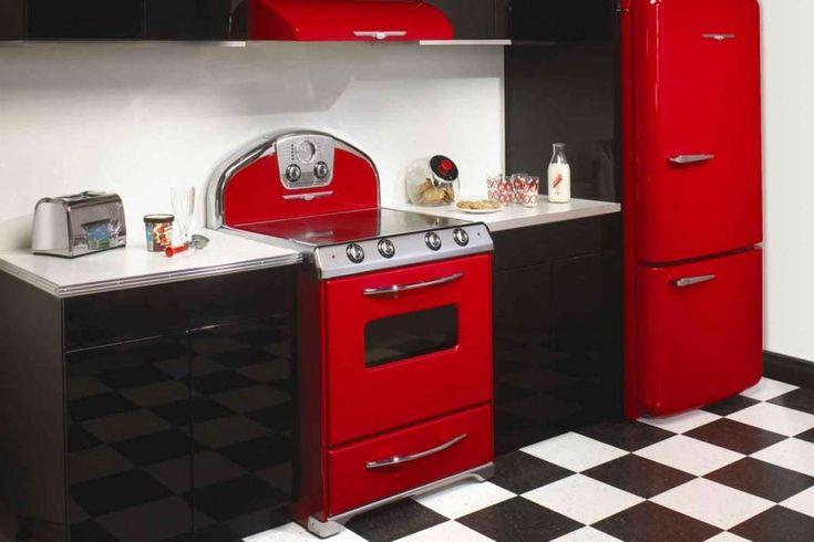 LOVE THE RED APPLIANCES!!! Be still my heart! 04.25.17 - Arredamento in stile anni '50 (Foto 11/40)   Tempo Libero PourFemme