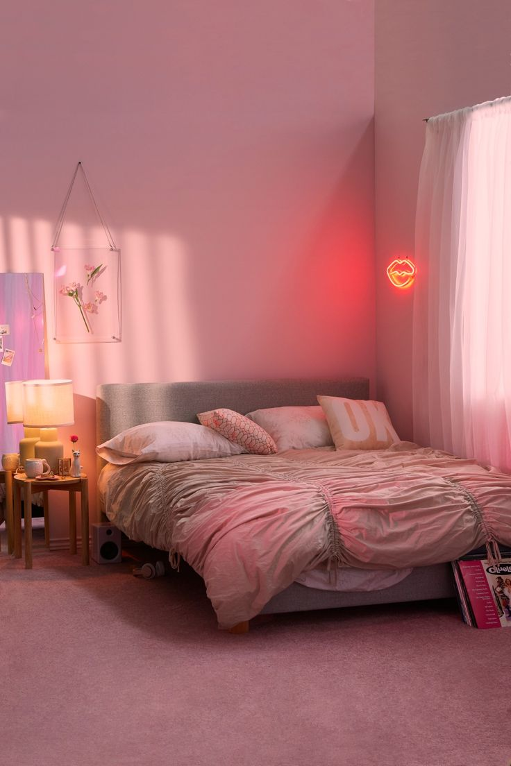 Neon lights for bedroom neon bedroom lights ideas for for Neon bedroom decor