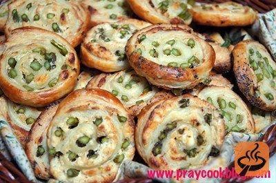 Fresh Asparagus and Puff Pastry Pinwheels