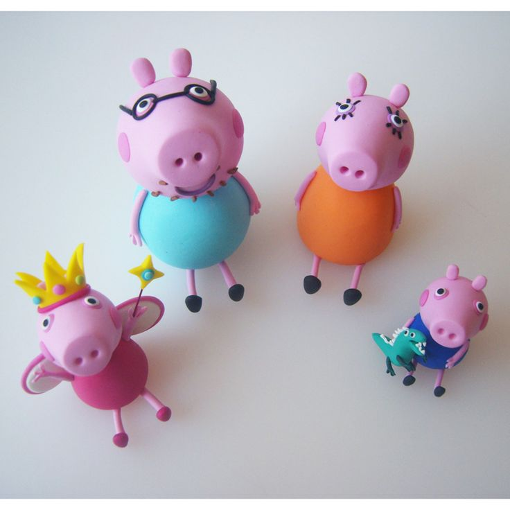 Princess-Peppa-pig-and-family-cake-model/topper.