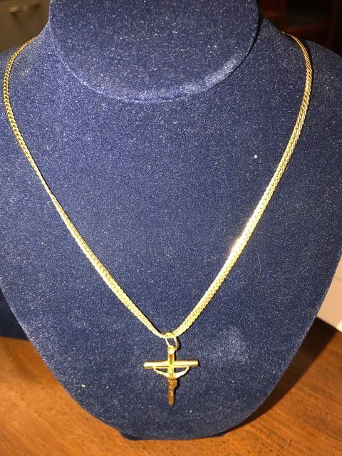 gouden ketting met kruis  zeer nette ketting met kruis  kruis mooi bewerkt  EUR 0.00  Meer informatie