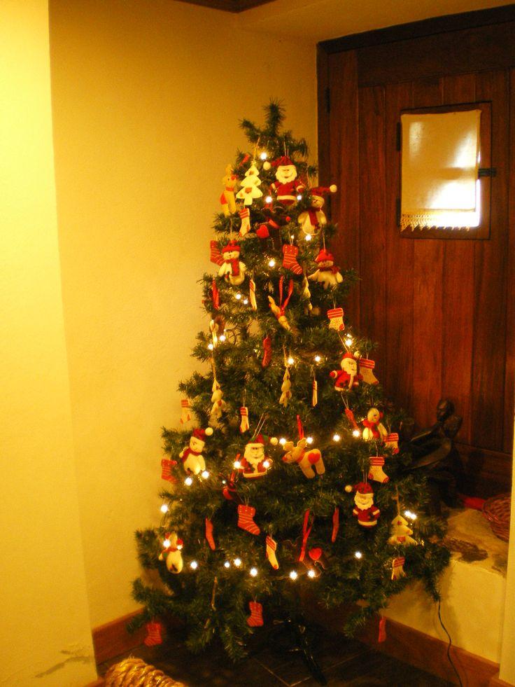 Árvore de Natal Rustica com bonecos de feltro