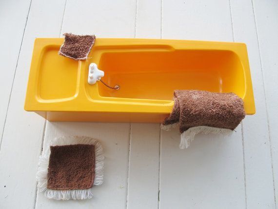 Sindy bath With towel bath mat and flannel. by DigVintageStuff
