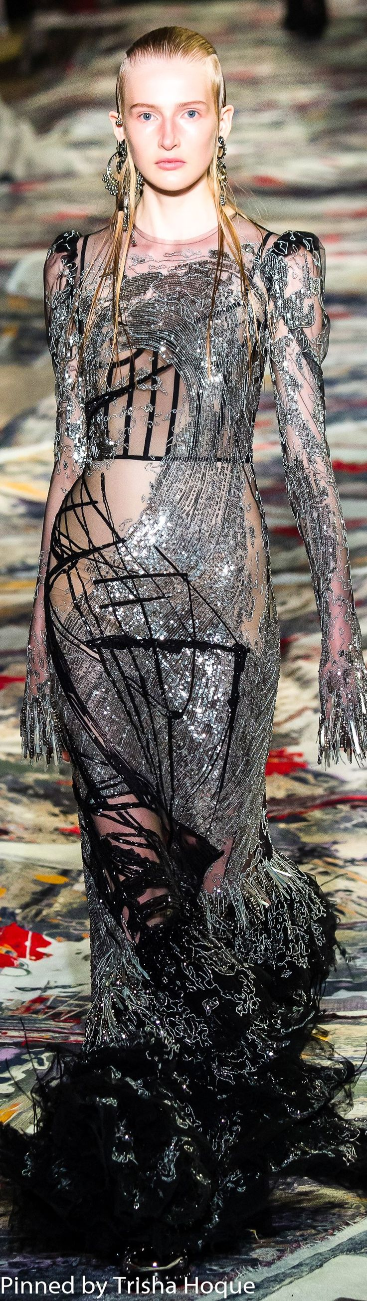 Alexander McQueen Spring 2017 Ready-to-Wear