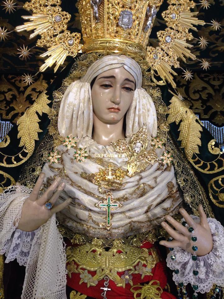 María Sta de la Esperanza. Entronizada en su tinglao, tarde de Miércoles Santo del 2014. #SemanaSanta #Easter #ssantavelez14 #velezcofrade