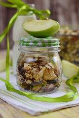 Almás-vaníliás granola