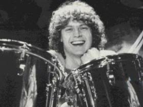 rick allen def leppard drummer   Rick Allen Photos