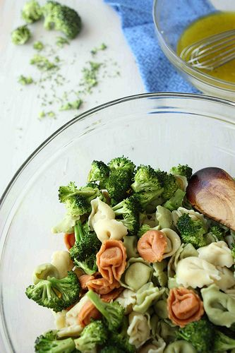 Tortellini Pasta Salad with Bacon, Broccoli and Basil