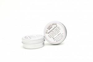 Di Erbe Salve Therapeutico (dierbe.com) for cuts, burns, dry lips or skin.
