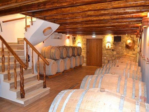 Lipsi Winery - the cellar
