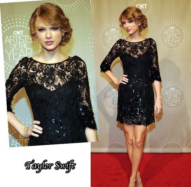 As cantoras country Carrie Underwood e Taylor Swift fizeram bonito no CMA Artists of the Year. As 2 foram com vestidos da mesma marca, Jenny Packham, porém com estilos completamente diferentes. Vocês tem algum preferido? Eu adorei os dois! Fotos: Reprodução