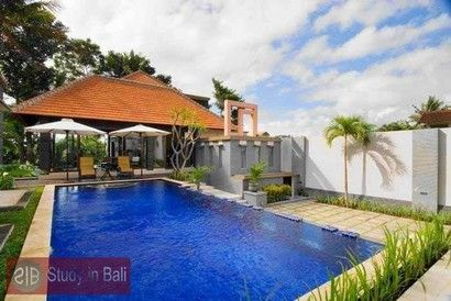 Villa Glas Kerobokan Umalas Study in Bali monthly rent  Modern style light-filled 3 bedroom Villa Glas in Kerobokan - Banjar Semer. This Villa comes with 3 airconditioned bedrooms, living room with TV and Sound System...