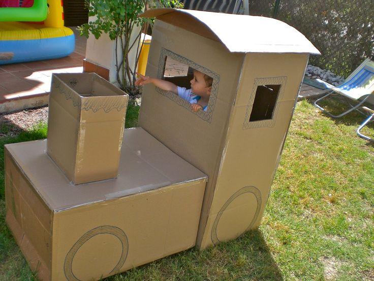 """Tren de cartón / Cardboard train       ¿No os encantaban los juguetes a """"tamaño real"""" en los que os podíais meter cuando erais pequeños? A..."""