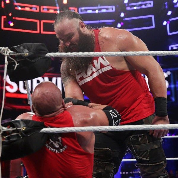 On this special Wrestling 2 the MAX EXTRA, it's a WWE Survivor Series 2017 R...