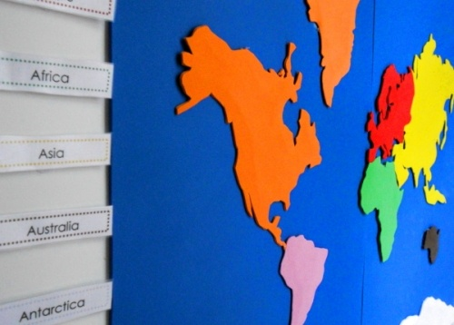 Free Montessori geography resources  and free continent box