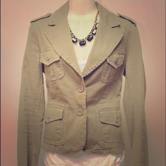 Military Style Khaki Blazer Military Style Khaki-Green Blazer. Bought in Italy. I cut the tags out in my naive younger days.  Fits a small-medium. Make me an offer!  Want discounted shipping? Just ask!  Happy to reduce the price 10% to help you save more! Jackets & Coats Blazers
