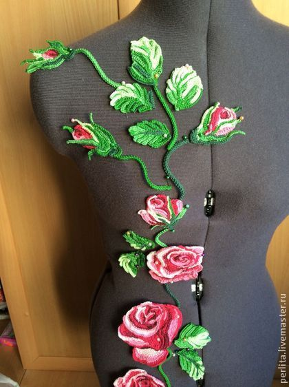 Вязаные розы - розовый,цветочный,розы,вязаные цветы,ирландские кружева