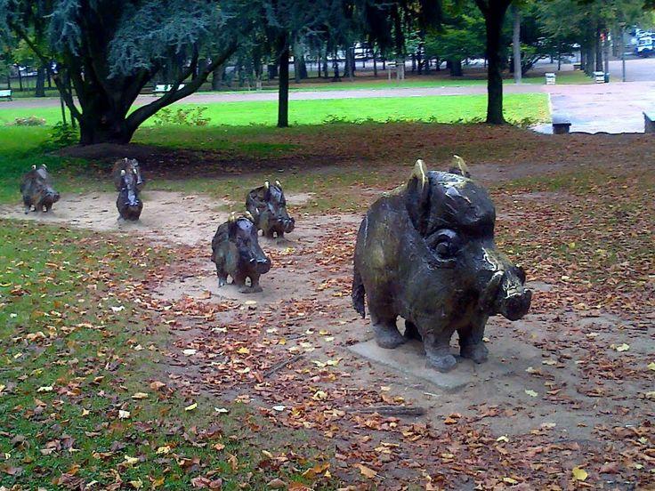 Nevers - wild boars sculptures Parc Roger Salengro park Nevers