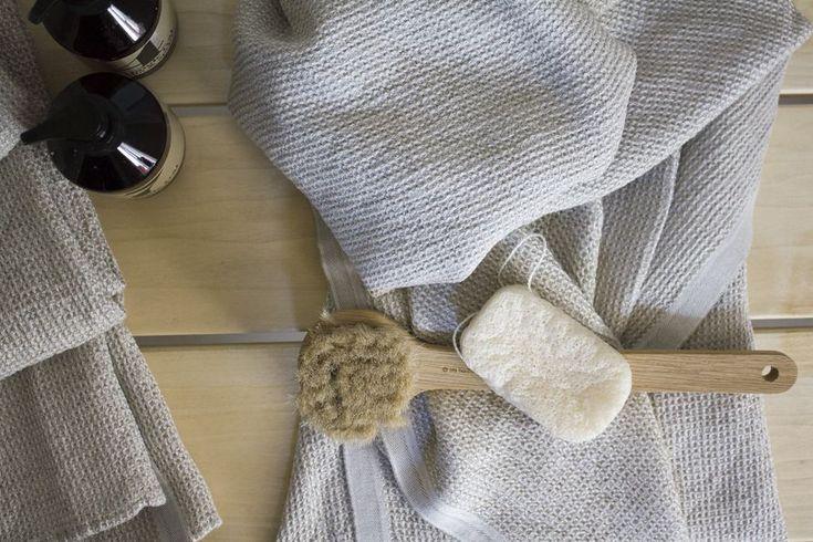 Lapuan Kankureiden pellavia meidän saunassa ja arvontamuistutus
