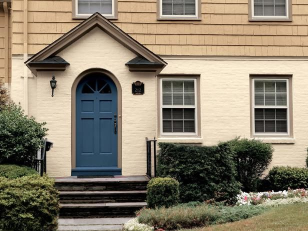 11 Inviting Colors to Paint a Front Door Sherrington Williams regatta: Popular Colors, Front Doors Colors, Blue Doors, Blue Front Doors, Sherwin Williams Regatta, Paintings Colors, Paint Colors, House, Exterior Paintings
