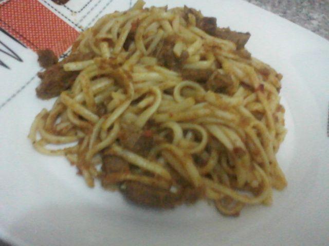 Tallarín+con+carne+de+res