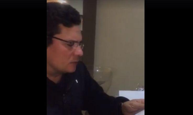 """juiz Sergio Moro usou citações dos presidentes norte-americanos Theodore Roosevelt e Abraham Lincoln p/ dizer q a corrupção não pode ser tolerada pelas autoridades. """"Primeiro requisito p/ o alto governo ser bem sucedido é a aplicação da lei sem vacilos e a eliminação da corrupção. O governo do povo, pelo povo e p/ o povo irá perecer da face da terra se a corrupção for tolerada. A exposição e a punição da corrupção pública são uma honra p/ nação"""