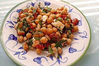 Kichererbsensalat mit getrockneten Tomaten und Feta, ein tolles Rezept aus der Kategorie Snacks und kleine Gerichte. Bewertungen: 214. Durchschnitt: Ø 4,6.