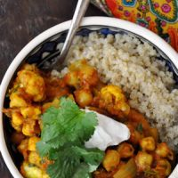 Spicy Moroccan Chickpeas with Quinoa | Habitually Hungry