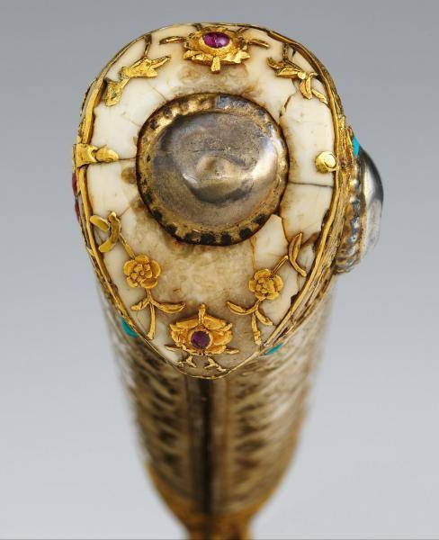 Manerul iataganului lui Soliman Magnificul http://vacantierul.ro/turcia-istanbul-suleyman-magnificul-bijuterii/
