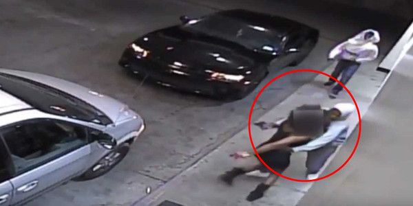 Atlanta Woman Fights Off Two Armed CarjackersGEORGIA - Gas station surveillance footage shows a Georgia woman defending herself from two armed carjackers. Atlanta police are asking anyone with information about this crime to please com...