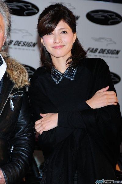 笑顔が可愛らしい内田有紀。