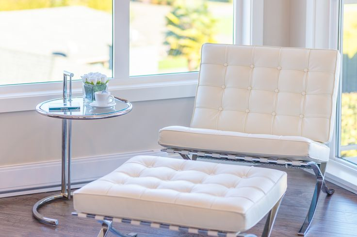 Less is More Vignette.  A great chair doesn't need a pillow or throw.  It can stand alone and be a statement piece.