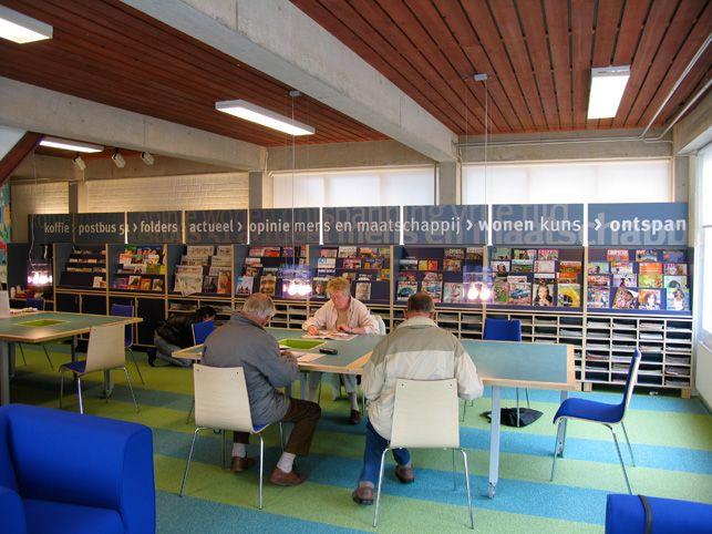 25+ beste idee u00ebn over Bibliotheek decoraties op Pinterest   Bibliotheekuitstallingen