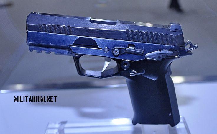 FB experimental pistol (1600x987)
