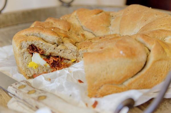 """Het lekkerste recept voor """"Pittig bacon en ei brood"""" vind je bij njam! Ontdek nu meer dan duizenden smakelijke njam!-recepten voor alledaags kookplezier!"""