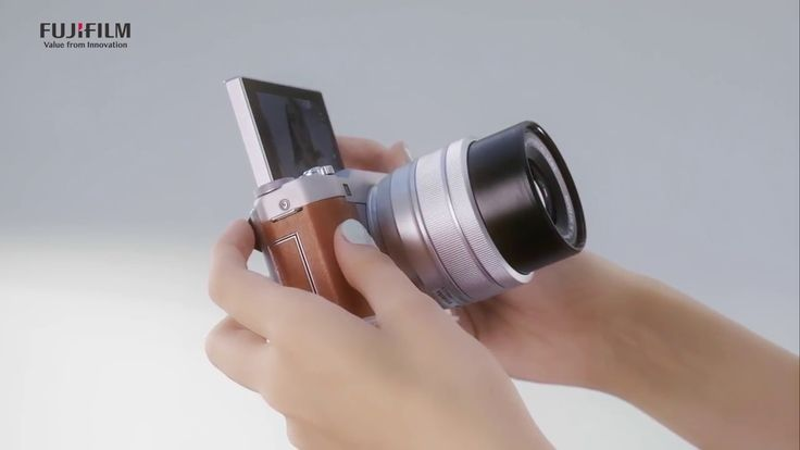 Get creative with the stylish FUJIFILM X-A5!