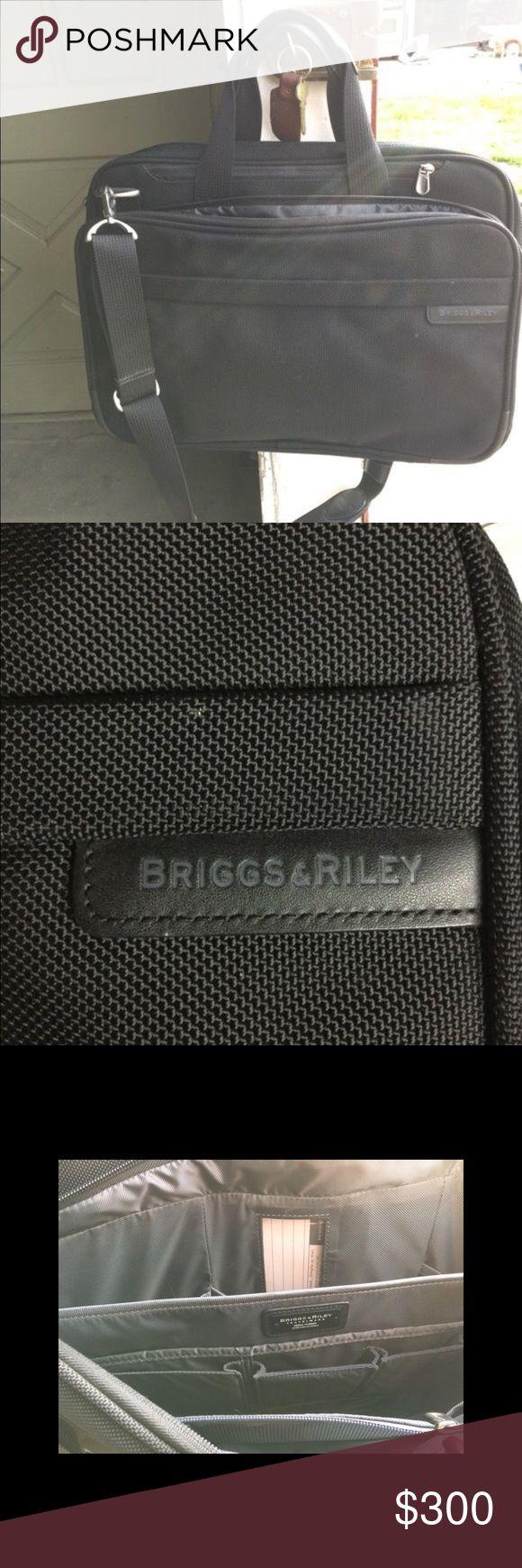 Briggs & Riley suitcase Brand new suitcase by Briggs & Riley. Bags