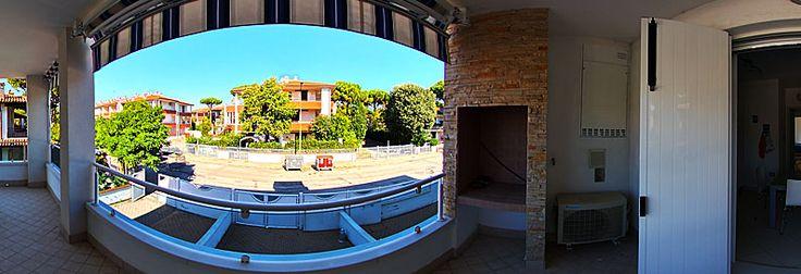 Appartamento in complesso di 9 unità, in posizione centrale a 600mt dalla spiaggia a lido di Spina. Visita senza appuntamento grazie a www.casa360.net