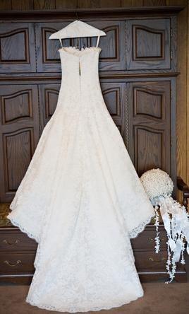 Vera wang stephanie wedding gown the one jessica simpson for Jessica simpson wedding dress