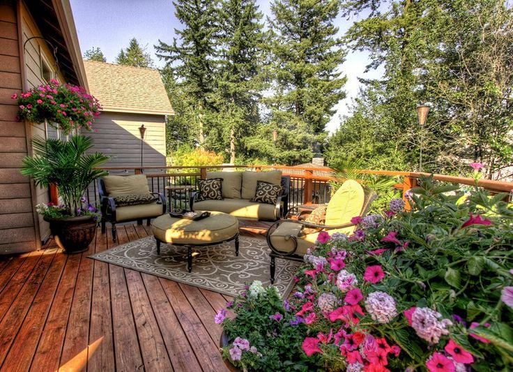 Traditional Deck Design in Portland