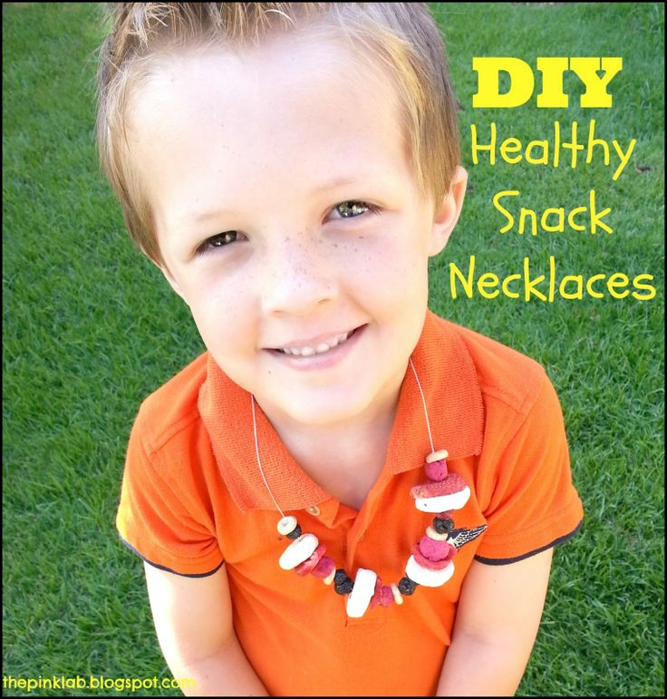 DIY-Healthy Snack Necklaces made from dry fruit and cheerios. No mess and healthy!