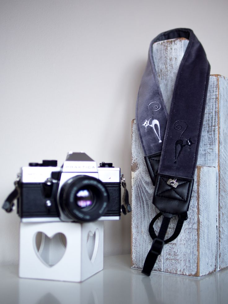 black & white cat  camera strap