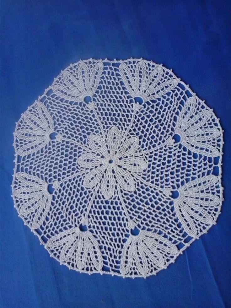 Crochet white doily -centrino all'uncinetto