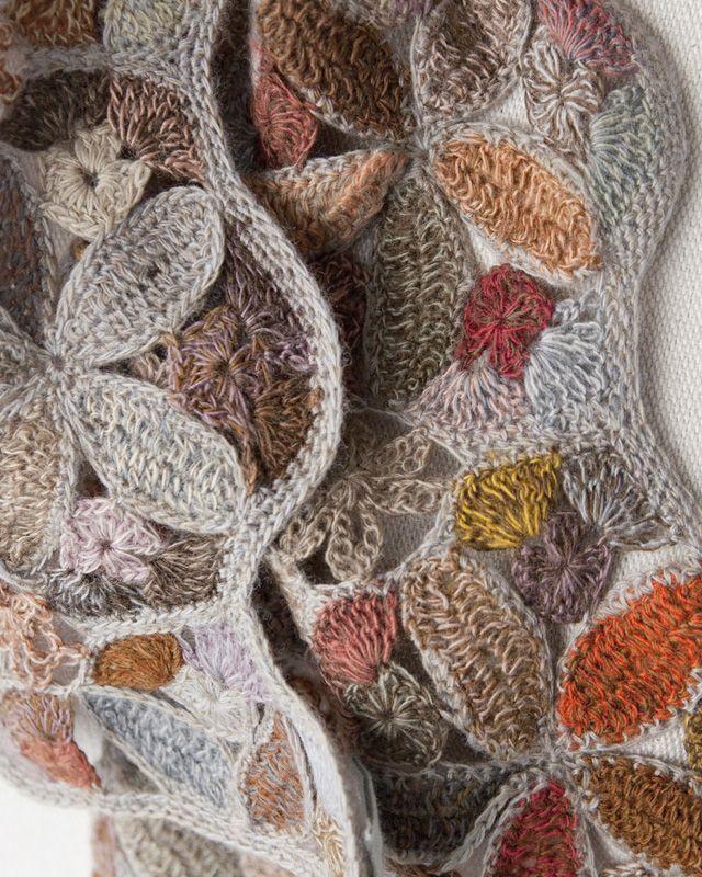 ✈ ✈ Fuxico em Circulo Crochê Floral. /  ✈ ✈ Gossip in Circle Crochet Floral.